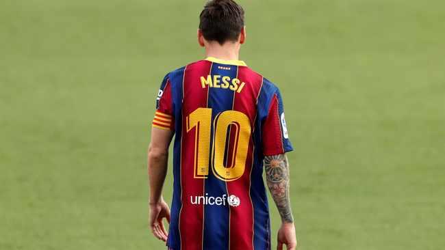 Real Madrid's Zinedine Zidane hopes it's not Lionel Messi last Clasico in Barcelona shirt