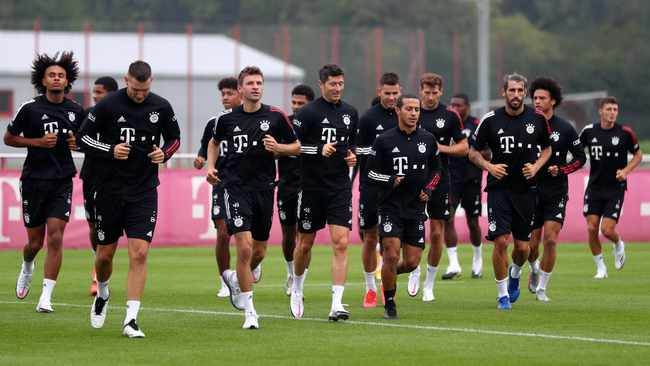Borrusia Dortmund lead rivals who could dethrone mighty Bayern Munich in Bundesliga