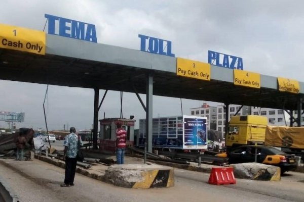 Roads Minister visits Tema tollbooth accident scene