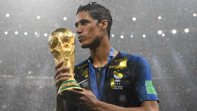 Manchester United close to completing Raphael Varane deal
