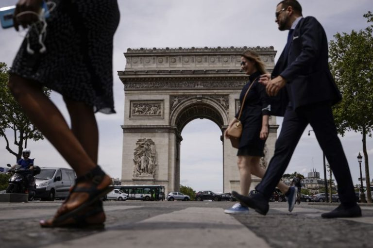 France to require negative COVID-19 tests for travelers from Britain