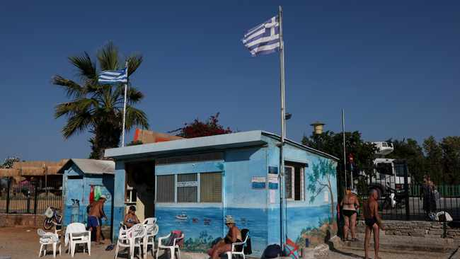 Greece to require vaccination or negative Covid-19 test at indoor restaurants