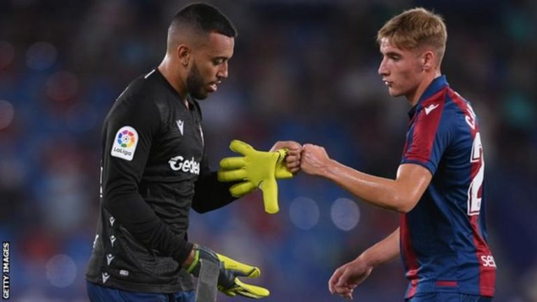 Real Madrid held to draw as Levante finish match with defender in goal