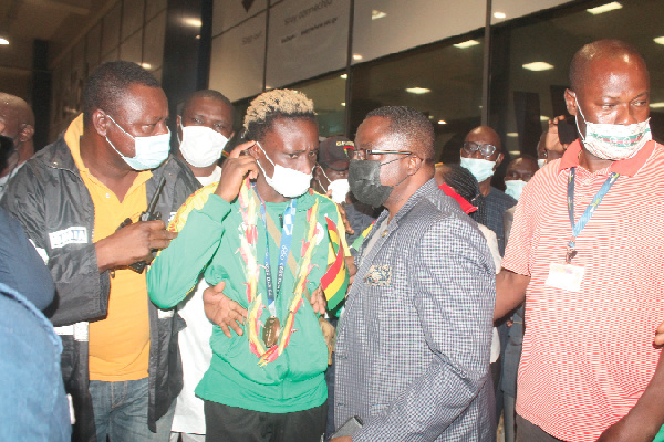 Hundreds throng KIA to welcome Ghana's Olympic bronze medalist in grand style