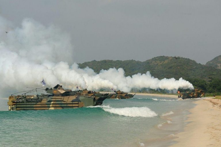 More South Koreans oppose delaying joint exercises despite North Korea concerns