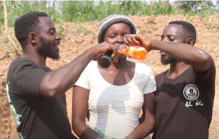 Twin brothers marry one wife [Video]
