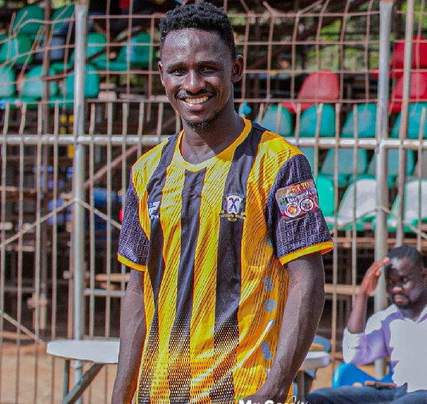 Asante Kotoko sign defender Charles Owusu from BA United