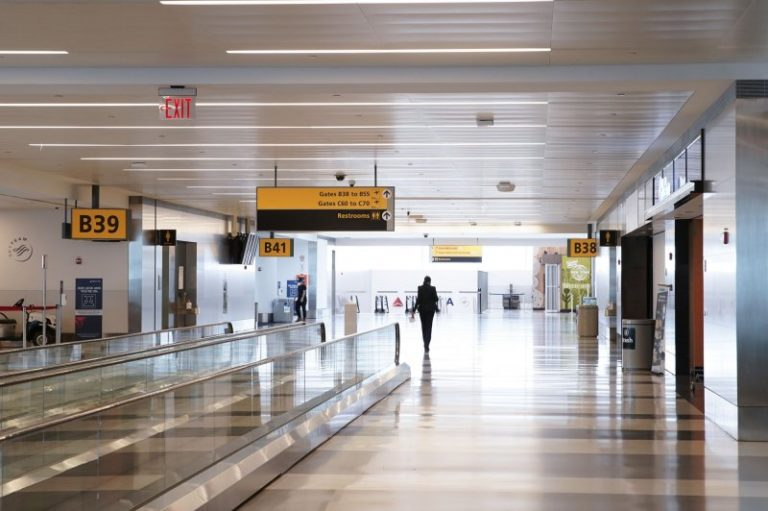 Airport industry losses will drop 78% next year, IATA forecast