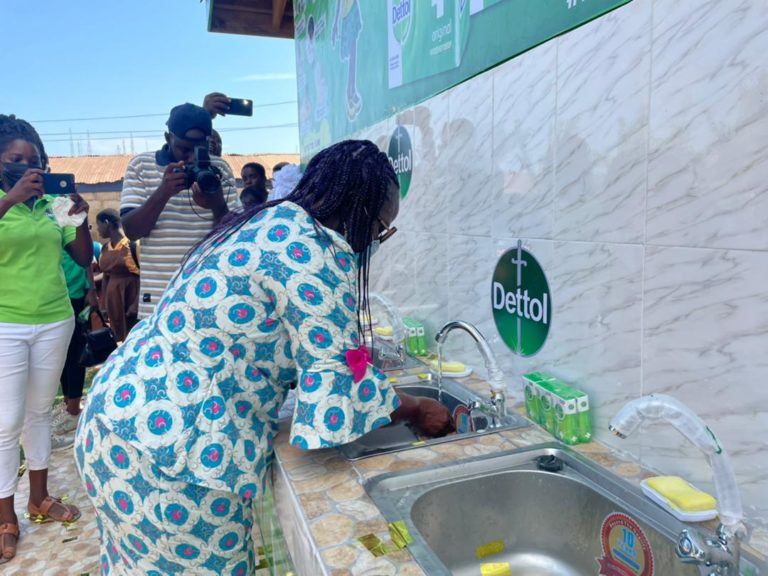 Dettol commemorates Global Handwashing Day, unveils handwashing station at Mallam Gbawe cluster of schools