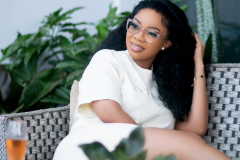 """""""It Is A Blessing To Be Able To Pay All Bills And Not Owe Anyone""""-Serwaa Amihere Says"""