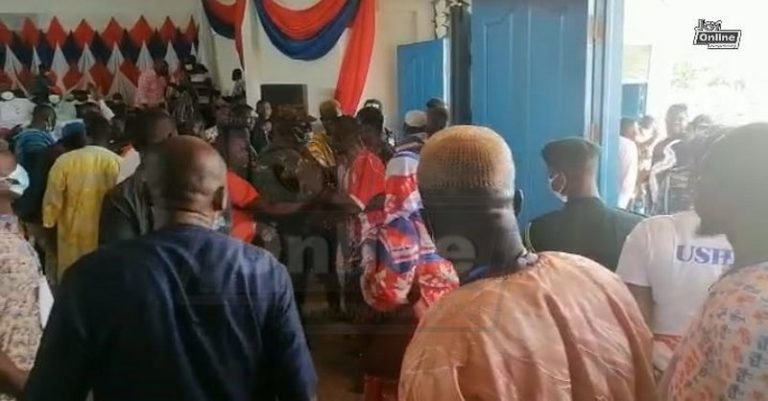 Fight breaks out at NPP Delegates Conference in Bono East Region [Video] –