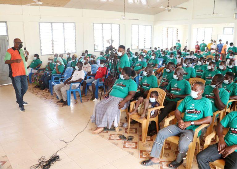 Kojo Bonsu meets with fishing communities in Axim