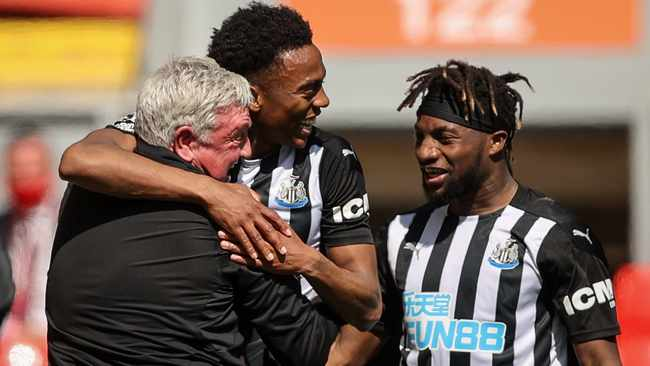 Newcastle United the talk of the Premier League as Manchester United face injury crisis