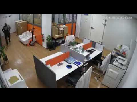 CCTV exposes deeds of alleged notorious office thief [Video]