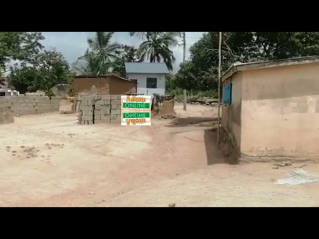 Man exhumes corpse at Awutu Ayiresu; claims ghost ordered him [Video]